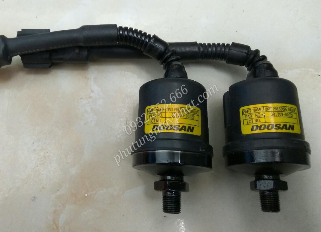 Cảm biến áp suất dầu Doosan 300319-00022